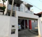 Upstairs for Rent in Thalawathugoda