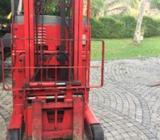 Toyota rechargable reach truck / Fork