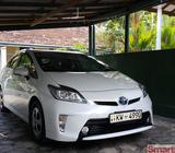 Toyota Prius 2012 Pearl White Mint Conditioned Car