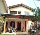 reputed business place (with 20 years goodwill) & luxury house for sale in kurunegala