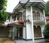 valuable upstair house sale nittambuwa,malwatta