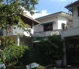 6 BR House near Dalugama Campus & Colombo Kandy Road 45000.00 contact 0094763437580