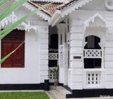 Colonial type house for rent with 8 car parks with 5 berooms 4toilets