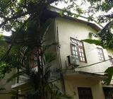 3 bedroom upstairs house at polhengoda road
