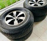 265/70/16 Tyres with Alloy Wheels