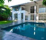 Lovely House for Rent in Colombo 5