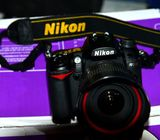NIKON D7000 with 18-105 lens