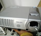TAXAN 2500 LUMENS PROJECTOR-JAPAN