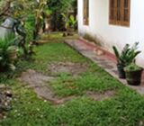 10 perches Land in Kiribathgoda with a house